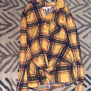 Long sleeve plaid shirt